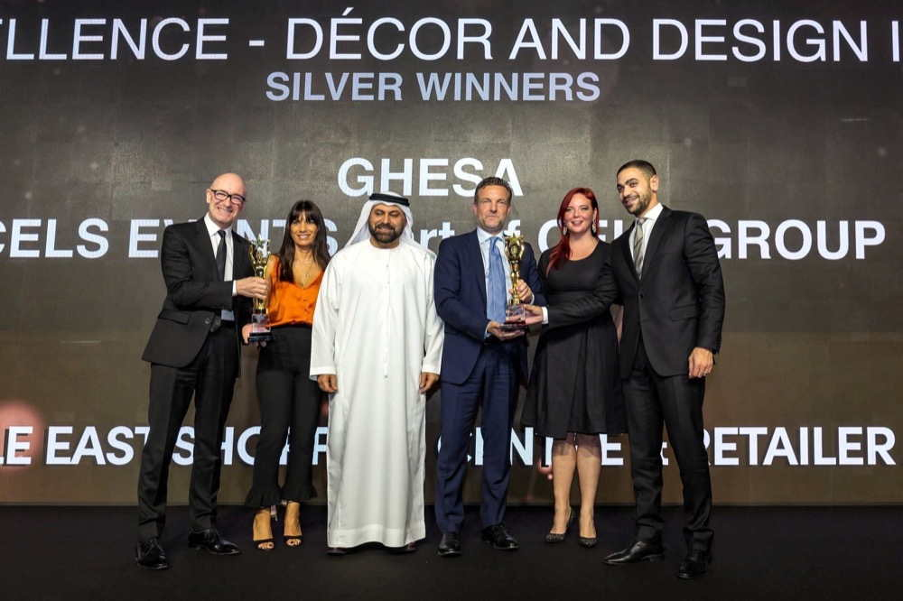 Mr. Alessandro Gaffuri, Founder and CEO, CELS Group ( third from the right) receiving the Award